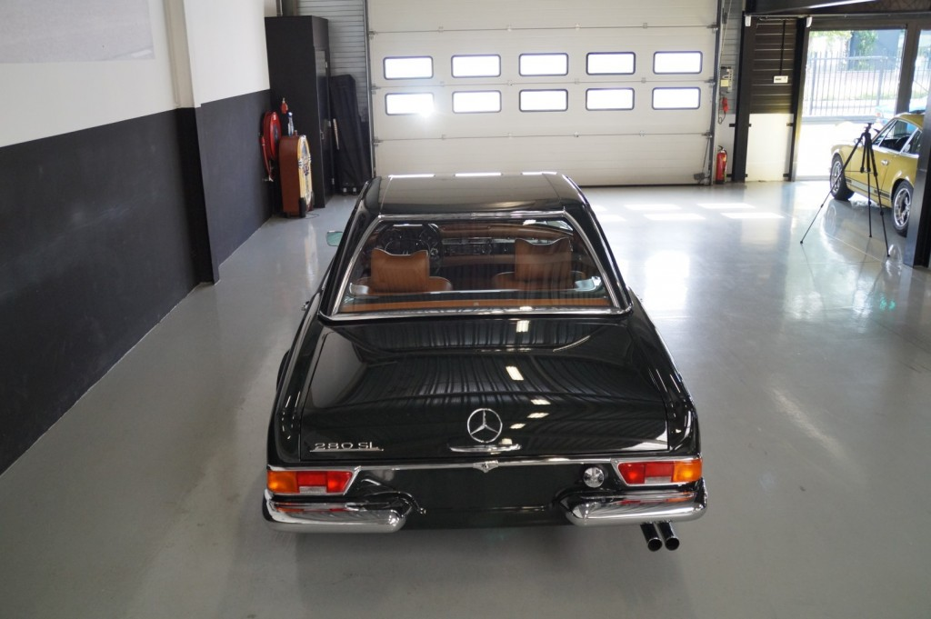 Buy this MERCEDES-BENZ 280 1968  at Legendary Classics (29)