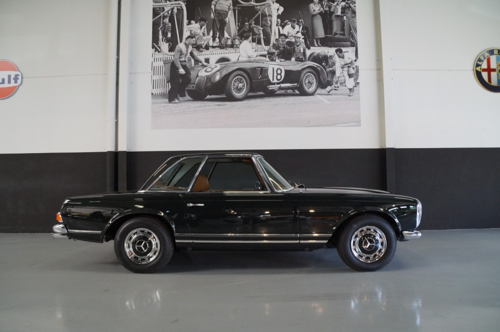 Buy this MERCEDES-BENZ 280 1968  at Legendary Classics (4)
