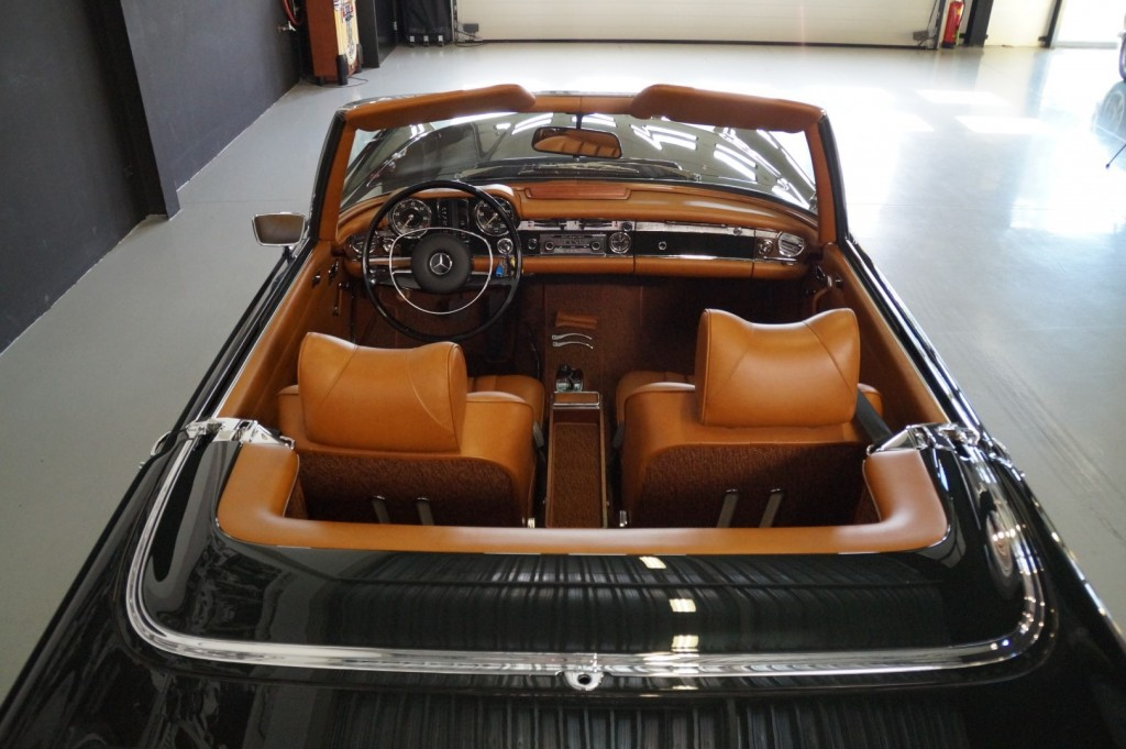 Buy this MERCEDES-BENZ 280 1968  at Legendary Classics (6)