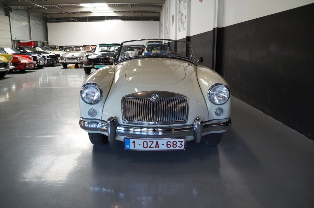 Buy this MG A 1957  at Legendary Classics (15)