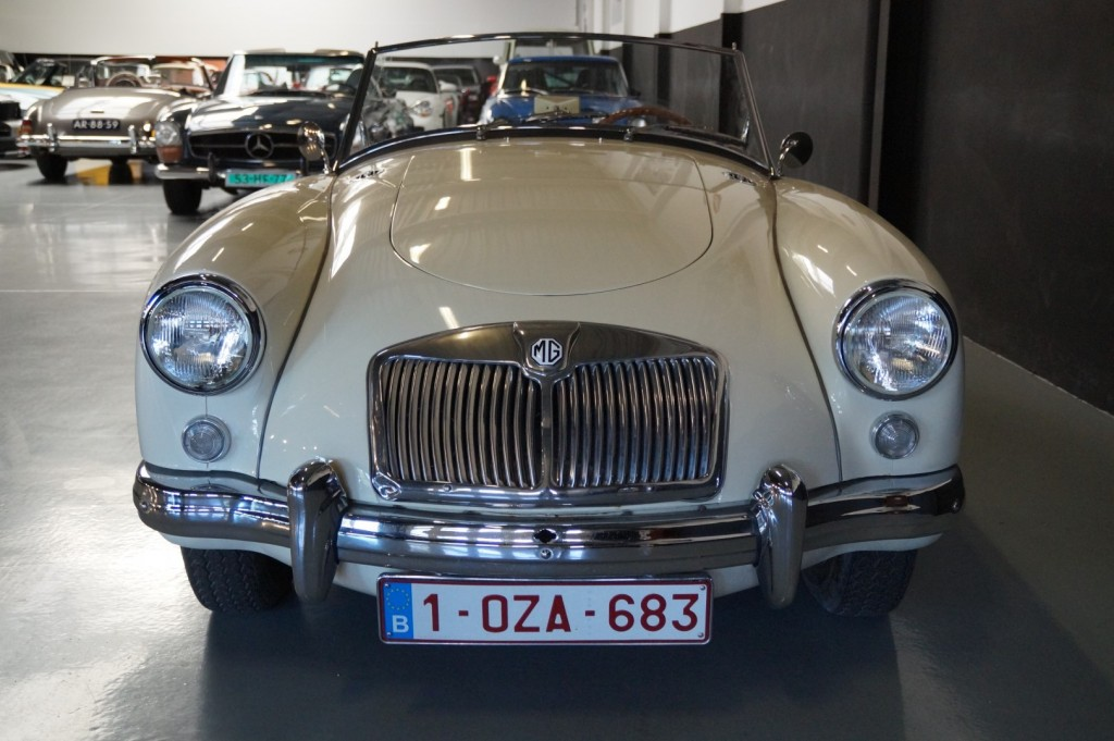 Buy this MG A 1957  at Legendary Classics (16)