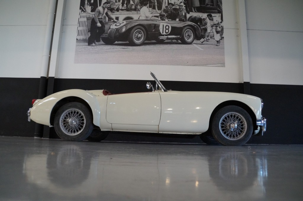 Buy this MG A 1957  at Legendary Classics (20)