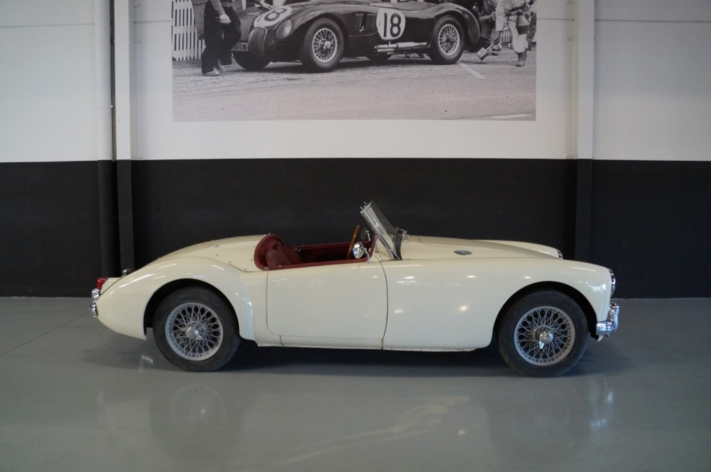 Buy this MG A 1957  at Legendary Classics (3)