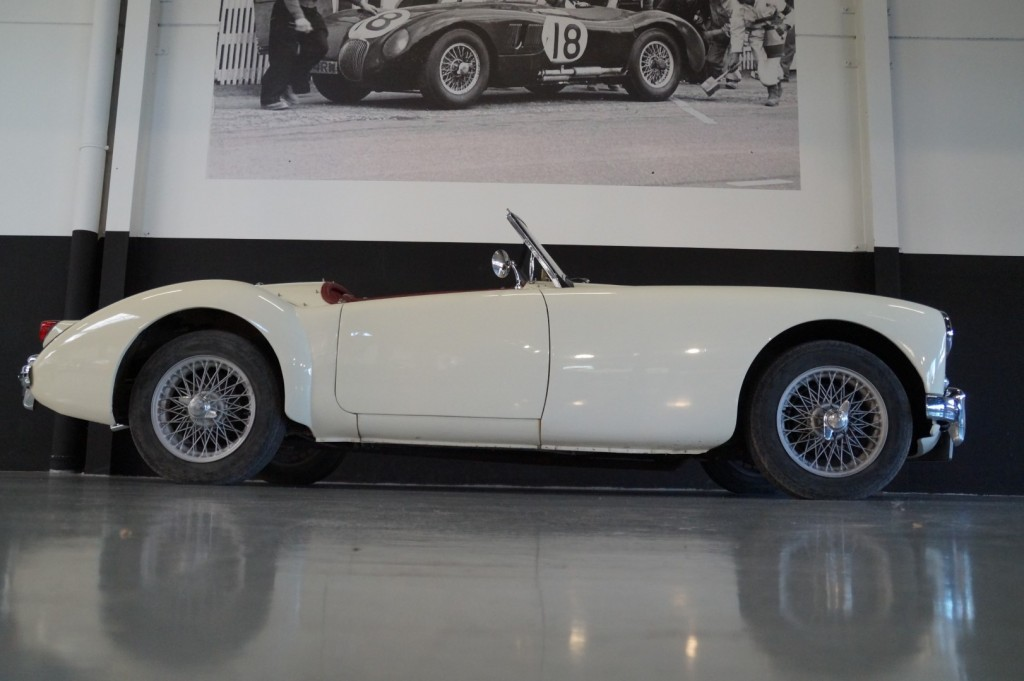 Buy this MG A 1957  at Legendary Classics (21)