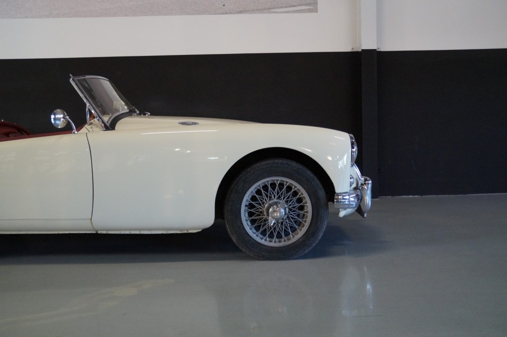 Buy this MG A 1957  at Legendary Classics (25)
