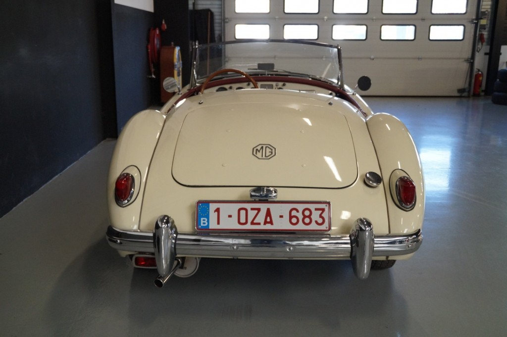 Buy this MG A 1957  at Legendary Classics (29)