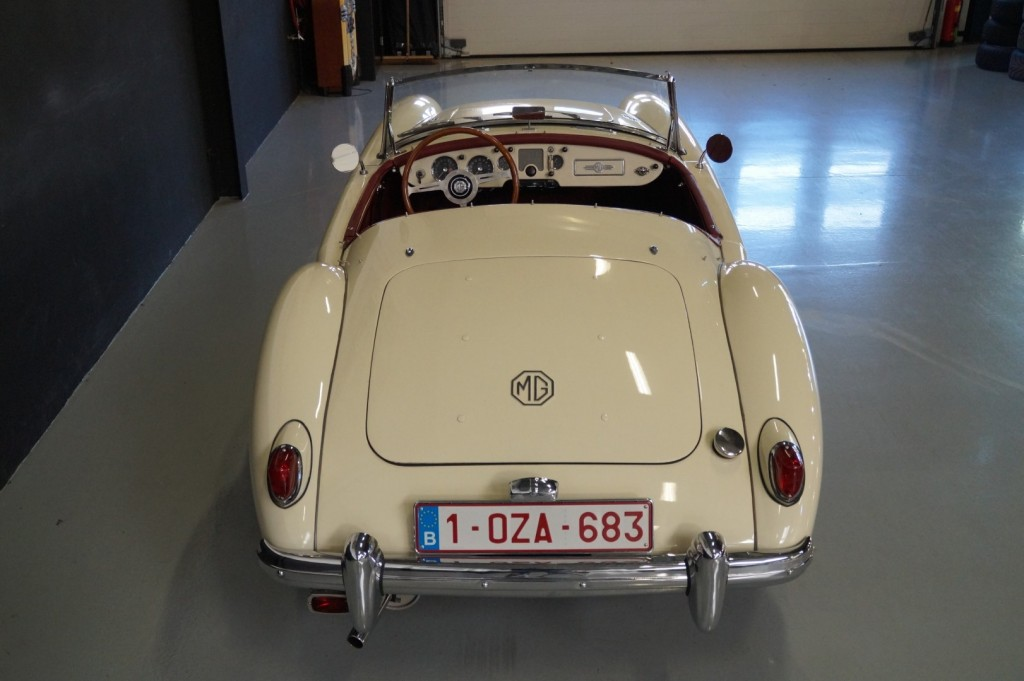 Buy this MG A 1957  at Legendary Classics (30)