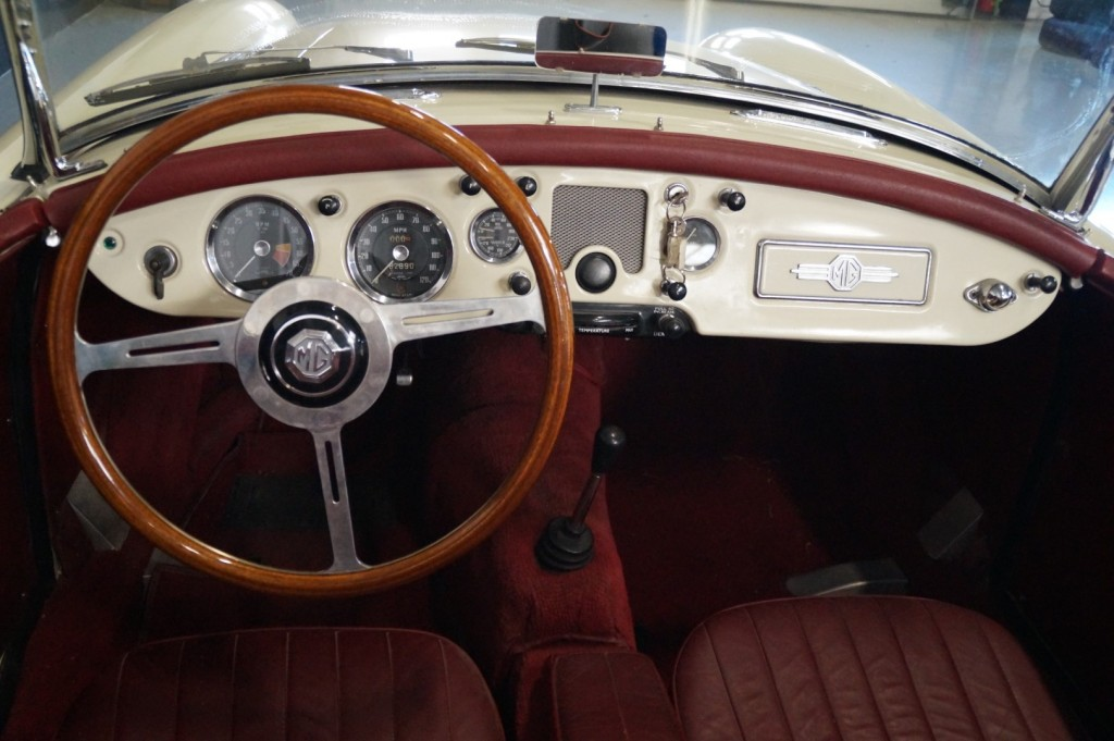 Buy this MG A 1957  at Legendary Classics (33)