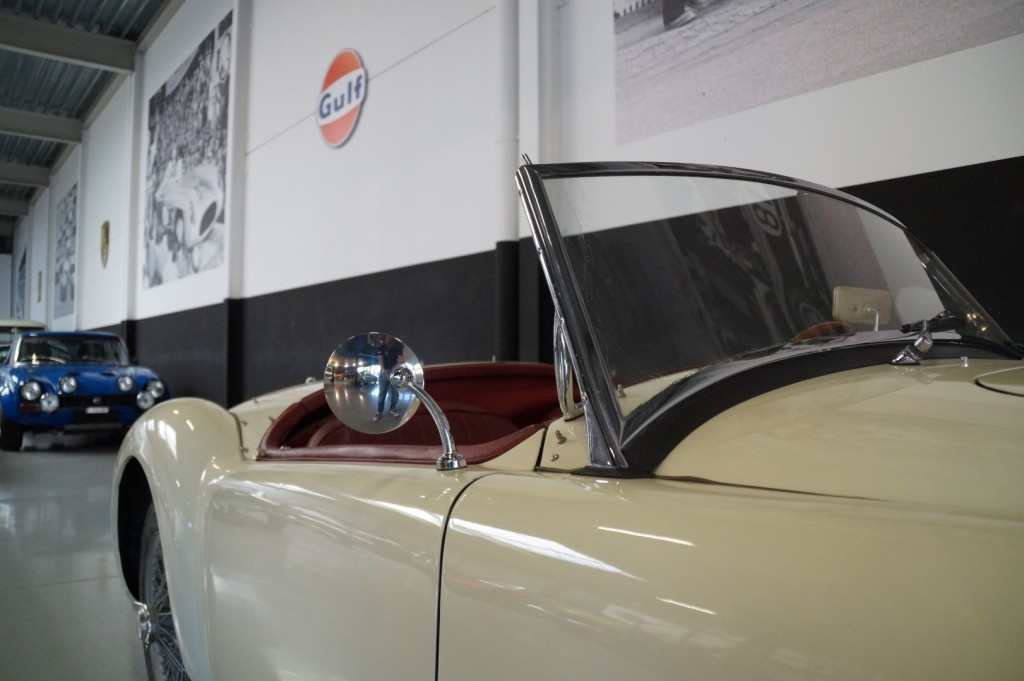 Buy this MG A 1957  at Legendary Classics (35)
