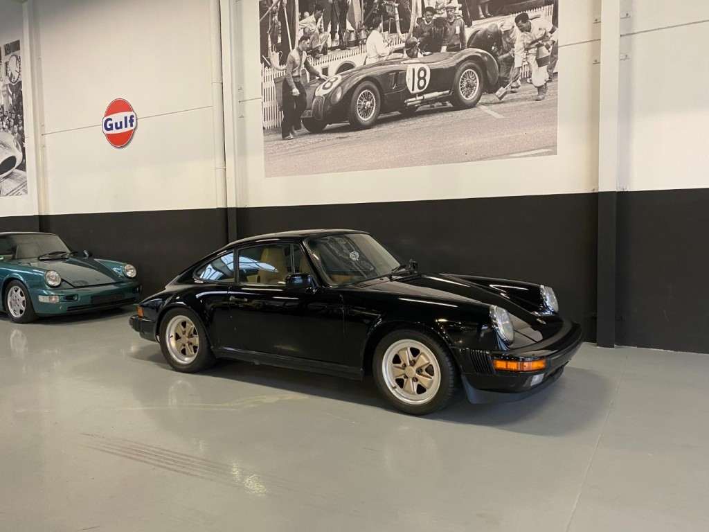Buy this PORSCHE 911 1985  at Legendary Classics (1)