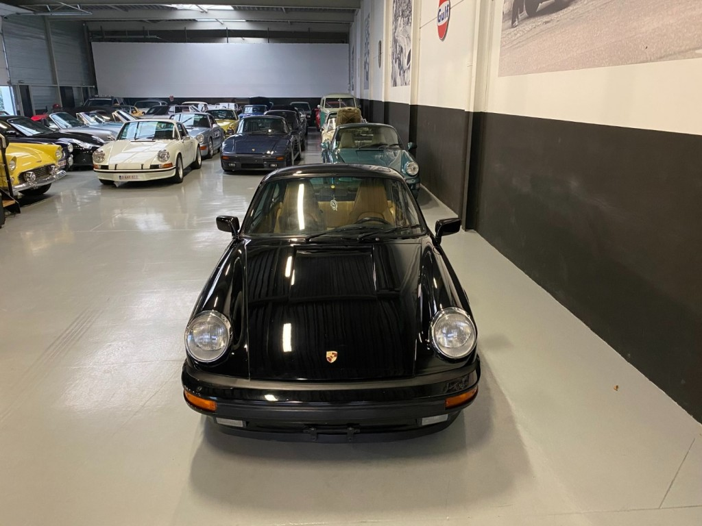 Buy this PORSCHE 911 1985  at Legendary Classics (19)