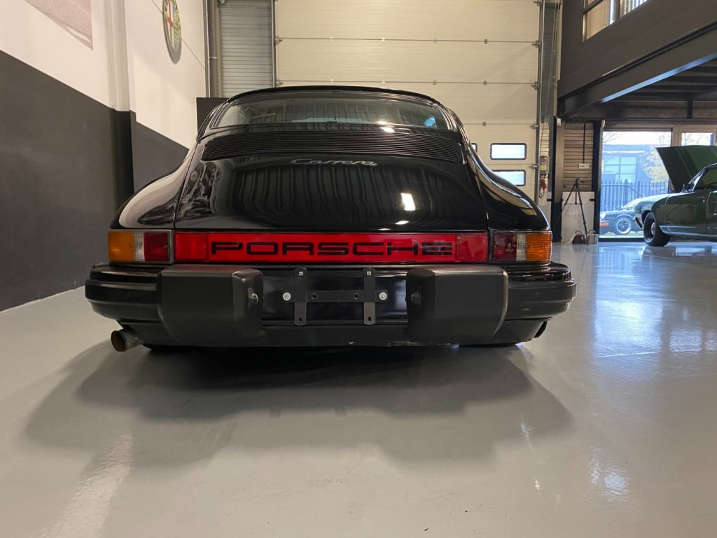 Buy this PORSCHE 911 1985  at Legendary Classics (25)