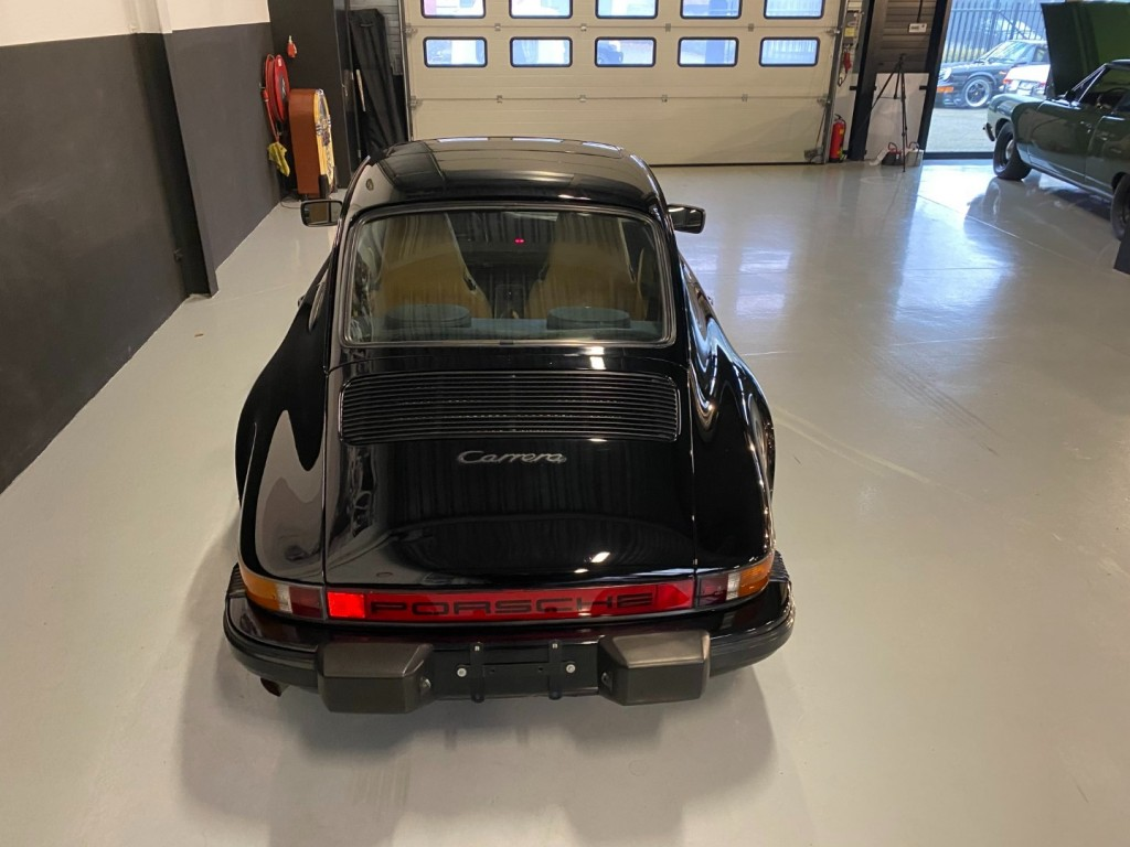 Buy this PORSCHE 911 1985  at Legendary Classics (26)