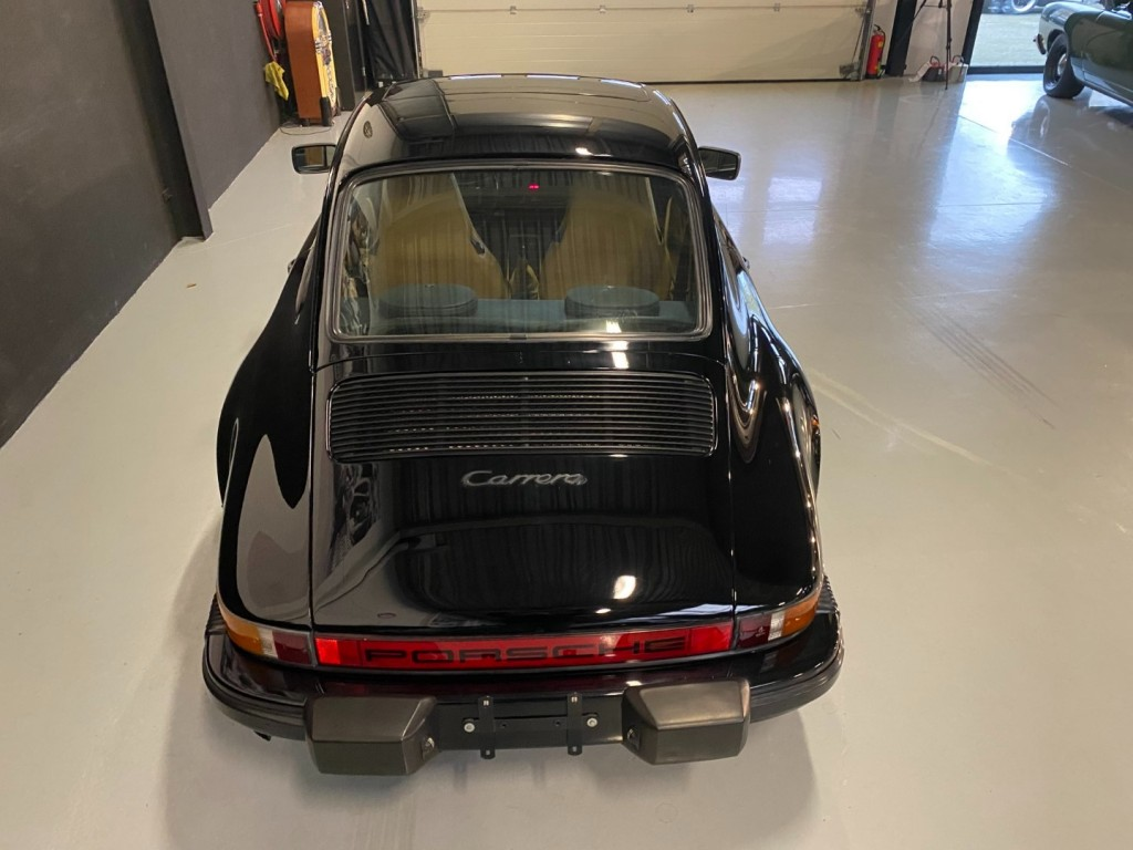Buy this PORSCHE 911 1985  at Legendary Classics (4)