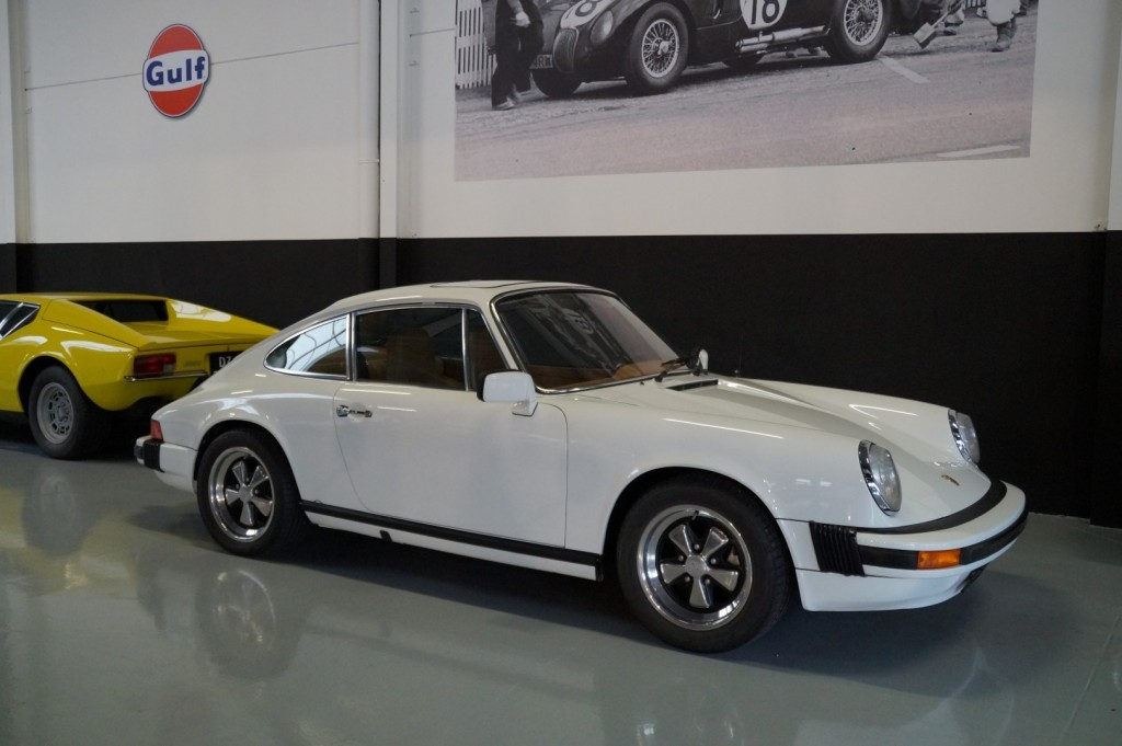 Buy this PORSCHE 911 1976  at Legendary Classics (1)