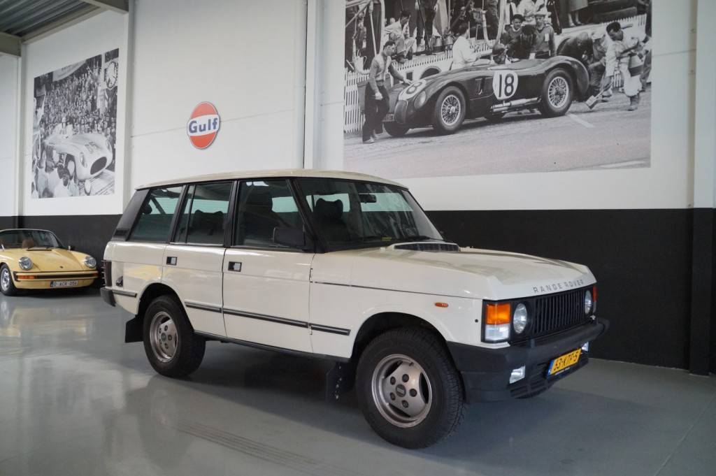 Buy this LAND ROVER RANGE ROVER 1985  at Legendary Classics (1)